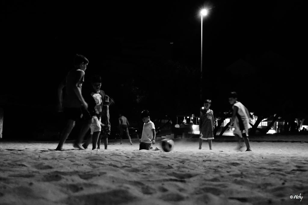 plage enfants foot 1